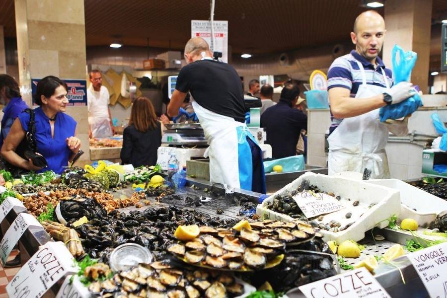 Mercato_del_pesce_di_Pula_-_Sardegna.jpg
